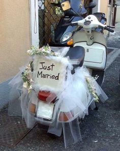 Where is the bride?:o Vespa PX Just Married, by Maurizio Molinari Vespa Wedding, Wedding Car, Wedding Gifts, Wedding Reception, Cancun Wedding, Destination Wedding, Wedding Themes, Wedding Photos, Wedding Decorations