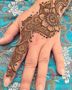 Pretty Henna Designs, Henna Tattoo Designs Simple, Beginner Henna Designs, Back Hand Mehndi Designs, Stylish Mehndi Designs, Henna Art Designs, Mehndi Designs For Girls, Mehndi Designs For Fingers, Beautiful Mehndi Design