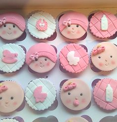 These baby shower cupcakes are BEYOND ADORABLE!