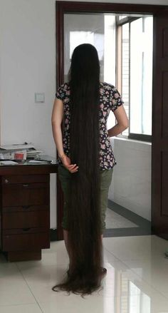 New photos of xinyus 2 meters long hair ,,photo,China Long Hair Long Indian Hair, Long Shag Haircut, Really Long Hair, Face Shape Hairstyles, Long Hair Video, Long Brown Hair, Trending Hairstyles, Braids For Long Hair, Beautiful Long Hair