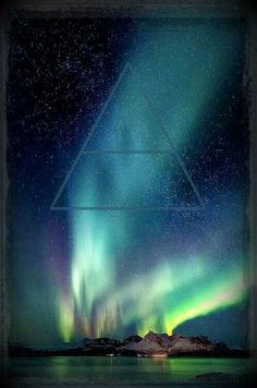 I'm so obsessed with Northern Lights, it borders on compulsion. 30 Seconds To Mars LLFD
