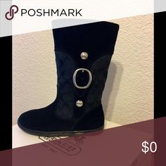 Coach Boots CUTE Coach (Meyer) C Signature Suede Boots👢👢Women's Size 5 Medium 👢Comes with original box 📦👢Preloved!👢🎉 Coach Shoes Winter & Rain Boots