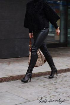 Liebesbotschaft: cost per wear + schönste Stiefel der Welt + Adventsdeko