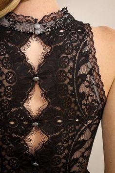 lace details button up back lace dress Mode Rockabilly, Short Lace Dress, Lace Dress Black, Lace Dress Styles, Dress Lace, Fashion Details, Fashion Design, Couture Details, High Fashion