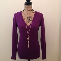 Purple light sweater top Light sweater great for the early spring, match it with skinny jeans ! New York & Company Tops