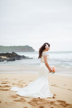Intimate Kauai Wedding – Style Me Pretty