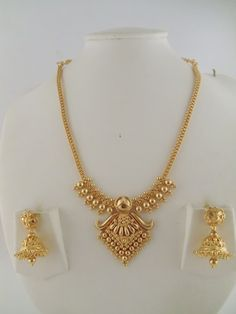 Gold Jewelry 15 Latest Gold Necklace Designs in 15 Grams - Gold necklace designs in 15 grams are perfect to look as well as cost. Here are the top 15 gram gold necklace designs for women in India. 1 Gram Gold Jewellery, Gold Jewellery Design, Jewellery Box, Jewellery Earrings, Jewellery Shops, Jewellery Exhibition, Jewellery Sketches, Jewelry Holder, Handmade Jewellery