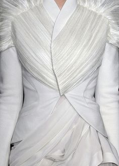 'Fabric manipulation'  JT (always in my own words)-----------https://flic.kr/p/dwzKtn | Givenchy haute couture spring summer 2009