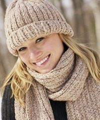 FREE patterns--loom knitting---Hat and Scarf