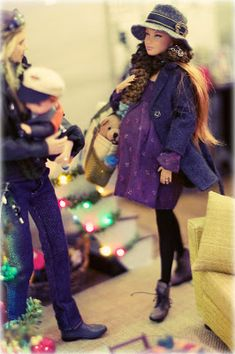 Christmas Barbie, Christmas Shopping, Barbie Dress, Barbie Clothes, Two Girls, Little Girls, Barbie Stories, Luke And Laura, Sales Girl