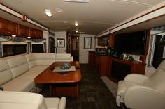 Winnebago Introduces New Floor Plans at Florida SuperShow | Vogel Talks RVing