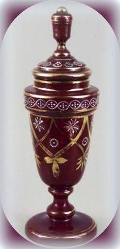 pohár s víčkem - hyalitové sklo