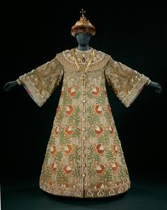 Costume worn by Feodor Chaliapin as Boris Godunov    Costume worn by Feodor Chaliapin as Boris Godunov  Designed by Alexandre Golovine, made by the Maryinsky wardrobe  About 1908  Museum no. S.459,D,E-1979  © Victoria & Albert Museum, London