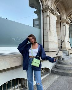 Aesthetic vintage art hoe trendy casual cool edgy grunge outfit fashion style idea ideas inspo inspiration for school for women winter summer baggy jacket tank top Mode Outfits, Retro Outfits, Trendy Outfits, Fashion Outfits, Topshop Outfit, Streetwear Mode, Estilo Cool, Brunch Outfit, Looks Vintage