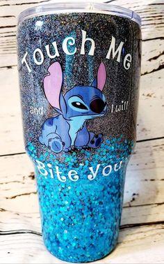 Girls Tumbler, Tumbler Cups, Cute Stitch, Lilo And Stitch, Diy Tumblers, Custom Tumblers, Starbucks Tumbler Cup, Coffee Cup Crafts, Glitter Tumblr
