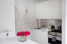 A West Village Designer Schools Us In Home Decor-perfect pop of color!