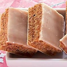 Lebkuchenbissen Source by kleelein Baking Recipes, Cookie Recipes, German Baking, Savoury Baking, Cooking Chef, Polish Recipes, Baking Cupcakes, Tasty Dishes, Tray Bakes