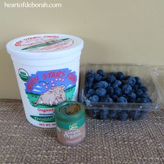 Frozen Yogurt Blueberries: A Healthy Quick Snack For Kids Frozen Yogurt Blueberries, Frozen Greek Yogurt, Plain Yogurt, Quick Snacks For Kids, Quick Healthy Snacks, Quick Recipes, Whole Food Recipes, Simply Organic, Family Fresh Meals
