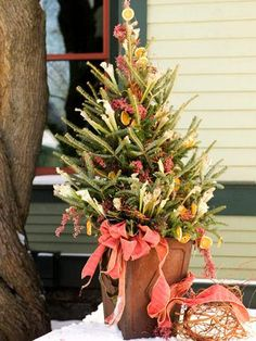 Add seasonal finery to your yard with these natural materials.