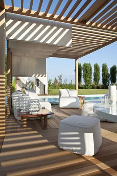 Exteta - Zen Light double, Zen Pouff soft, Paraggi side table - design by Ludovica + Roberto Palomba #outdoor #cabanas
