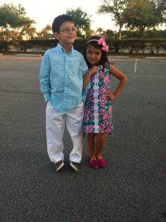 Well aren't they just preppy with their Lilly dress & vineyard vines clothes..