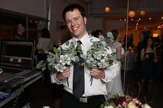 """make two bouquets with """"money flowers"""" and toss those instead of real flowers and a garter. How fun it will be to watch your guess actually fight for what you toss :) Money Flowers, Real Flowers, Money Bouquet, Origami Wedding, Bouquet Toss, Offbeat Bride, Diy Invitations, Holiday Festival, Wedding Ideas"""