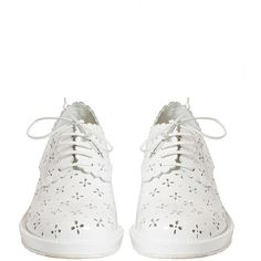 Simone Rocha Broderie-anglaise cut-out leather brogues ($351) ❤ liked on Polyvore featuring shoes, oxfords, black brogues, brogue shoes, black oxfords, leather shoes and kohl shoes