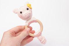 Crochet Pattern Teething Rattle Ring Pork Chops door IngeniousByMe