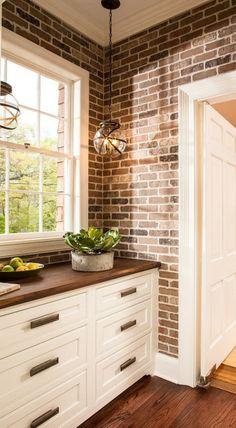 Butler's Pantry. Great Butler's Pantry Design Ideas with designer sources. Kitchen Pantry Design, Diy Kitchen Decor, Kitchen Redo, Rustic Kitchen, Interior Design Kitchen, Country Kitchen, Kitchen Remodel, Küchen Design, Design Ideas