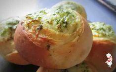 Булочки с чесноком и зеленью в духовке - Вкусно готовим дома