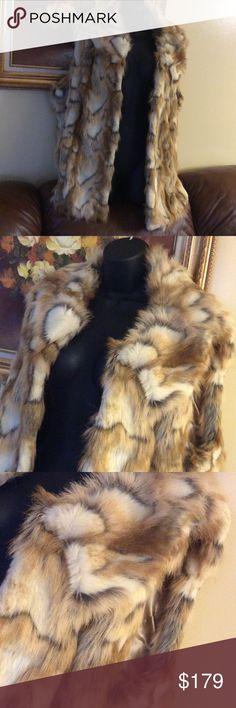 💞TIGER REPLICA 💞Fur collar vest New, no tag , never worn Rachel Zoe Jackets & Coats Vests