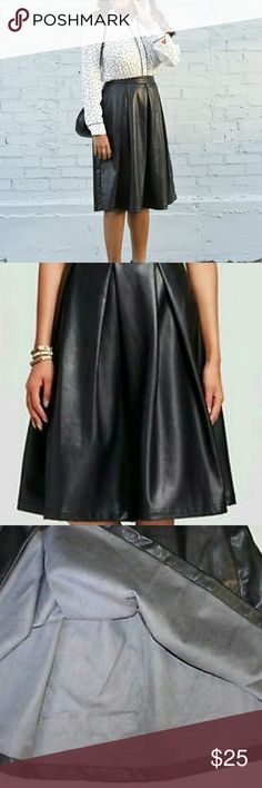 NWT WhoWhatWear Faux Leather Skirt Size 4. NWT. Excellent condition . A-line WhoWhatWear Skirts