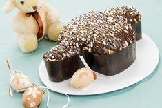 La colomba al cioccolato è una variante della classica colomba che si prepara per Pasqua ma che sarà davvero deliziosa. Ecco la ricetta