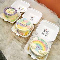 Pretty Birthday Cakes, My Birthday Cake, Pretty Cakes, Mini Cakes, Cupcake Cakes, Simple Cake Designs, Korean Cake, Pastel Cakes, Frozen Hot Chocolate