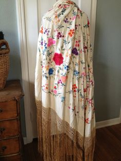 Silk Embroidered Piano Shawl Authentic Canton by JansVintageStuff
