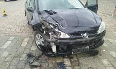 Motoqueiro tem ferimentos graves em acidente no centro de Rodeio