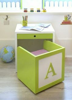kid desk and chair for kid room or playroom Space Saving Furniture, Girl Room, Child's Room, Diy For Kids, Wood Projects, House Projects, Furniture Projects, Diy Home Decor, Luxury Furniture