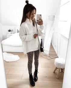 Look con blancasdeportivas de Fila | faldas de la m | Chicisimo