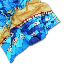 This is the whole #Klimt scarf itself. I'm still in  with it. #klimtspiration #silkscarf #secession #artdeco #designerfashion #womensfashion #accessory #luxuryscarf #mik #ikozosseg #magyardivat #scarf2wear #selyemkendő #kiegészítők #tendygift #giftidea