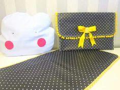 Bolsa para toalhitas e fraldas com muda fraldas (plastificado)