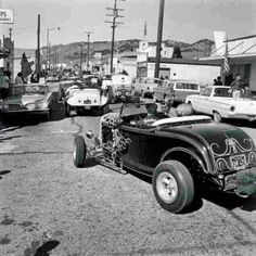 Vintage Drag Racing & Hot Rods : Photo Tom McMullen and wife 1963 Pismo Beach California Fancy Cars, Cool Cars, Pismo Beach California, 1932 Ford Roadster, Old Hot Rods, Classic Hot Rod, Classic Cars, Traditional Hot Rod, Hippie Man