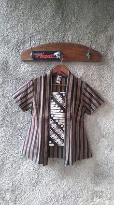 Blouse Batik, Batik Dress, Blouse Dress, Kebaya Hijab, Batik Kebaya, Kebaya Kutu Baru Modern, Traditional Skirts, Cropped White Shirt, Model Kebaya