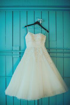 Retro style wedding dress @weddingchicks