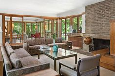 Both of Frank Lloyd Wright's Booth Houses Are For Sale Mansion Homes, Frank Lloyd Wright Homes, Prairie House, Booth, Glass Facades, Bookshelves Built In, Living Room Flooring, Architectural Features, Ranch Style