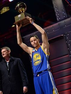 67a0b37bc0c2 ... historical performance to win the Foot Locker Three-Point Contest.this  guy was AWESOME me and my dad where screaming our heads off coast he was so  good