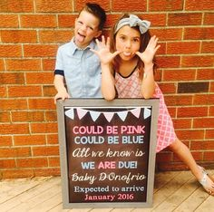 Pink or Blue Pregnancy Announcement // Pregnancy Reveal // Chalkboard photo prop