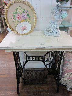 Shabby Chic Table Singer Sewing Machine Creamy by rosesnmygarden