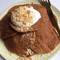 Sundere alternativer - nemme desserter og søde sager   Mummum.dk Pancakes And Waffles, Lchf, Muffin, Healthy Recipes, Healthy Food, Sweets, Baking, Breakfast, Desserts