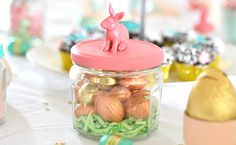 Ideas for Easter table Spring Crafts, Holiday Crafts, Holiday Fun, Holiday Ideas, Hoppy Easter, Easter Bunny, Easter Eggs, Fete Ideas, Candy Crafts