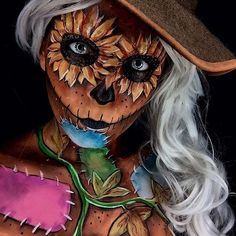 Want Halloween make-up that wow will? Then you need to try our 25 awesome Halloween make-up looks. You will find make-up that will fool the eye, anxiety and more. Looks Halloween, Scarecrow Halloween Makeup, Scary Scarecrow, Amazing Halloween Makeup, Halloween Inspo, Fete Halloween, Halloween Face Makeup, Samhain Halloween, Halloween Nails